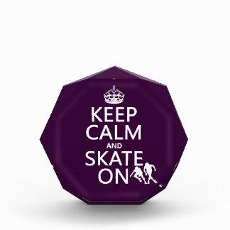 Guarde la calma y patine en (rollerskates) (cualqu
