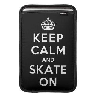 Guarde la calma y patine encendido fundas macbook air