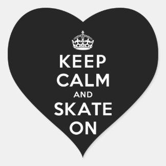 Guarde la calma y patine encendido calcomanía de corazón personalizadas