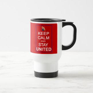 Guarde la calma y permanezca las derechas para muj tazas