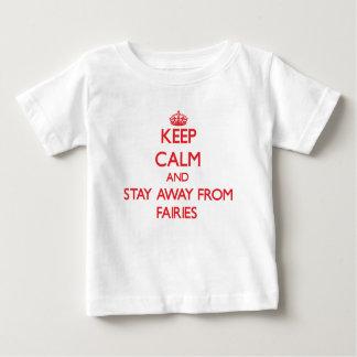Guarde la calma y permanezca lejos de hadas camisas