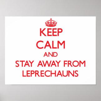 Guarde la calma y permanezca lejos de Leprechauns Posters