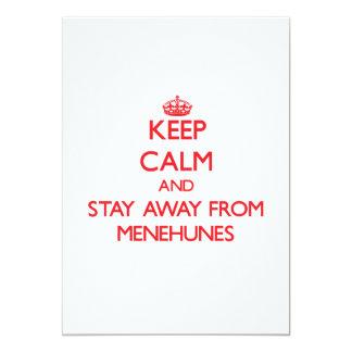 Guarde la calma y permanezca lejos de Menehunes Invitacion Personalizada