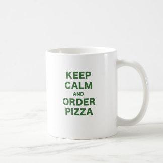 Guarde la calma y pida la pizza tazas