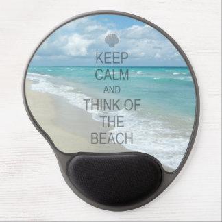 Guarde la calma y piense en la playa alfombrilla con gel