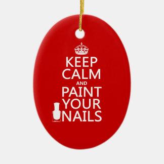 Guarde la calma y pinte sus clavos (todos los adorno navideño ovalado de cerámica