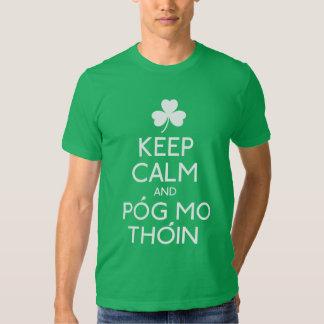 Guarde la calma y Pog MES Thoin - humor irlandés Poleras