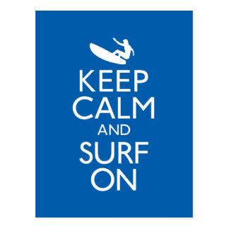 Guarde la calma y practique surf encendido postales