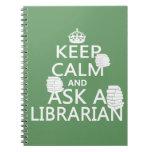 Guarde la calma y pregunte a bibliotecario libros de apuntes con espiral