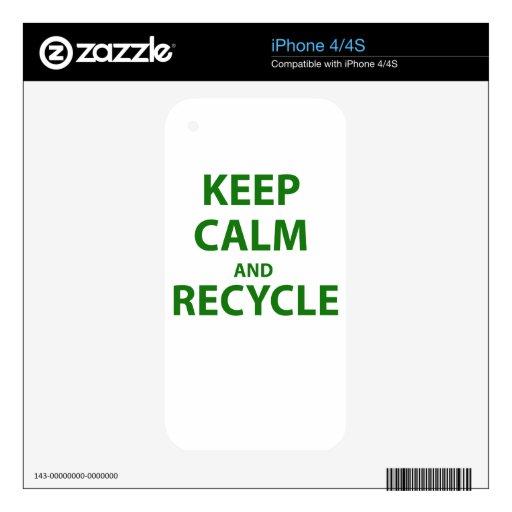Guarde la calma y recíclela skin para el iPhone 4