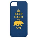 Guarde la calma y refiera - el oro iPhone 5 Case-Mate cárcasas