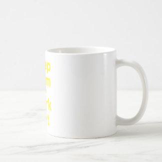 Guarde la calma y resuélvase taza