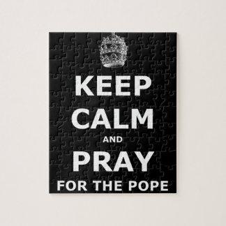 Guarde la calma y ruegue para el papa puzzle
