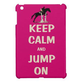 Guarde la calma y salte en caballo rosado