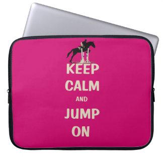 Guarde la calma y salte en caballo rosado mangas computadora