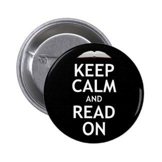 Guarde la calma y siga leyendo pin redondo de 2 pulgadas