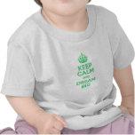 Guarde la calma y soñe grande camisetas