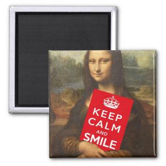 Guarde la calma y sonría imán cuadrado