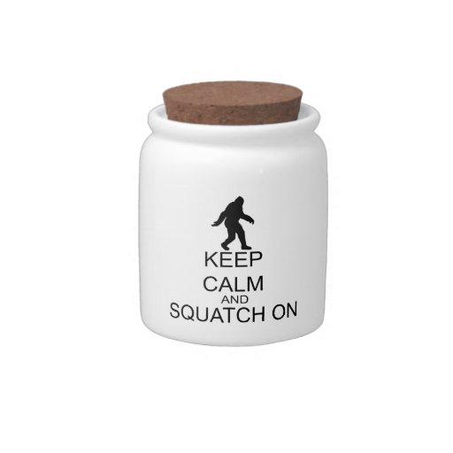 Guarde la calma y Squatch encendido Platos Para Caramelos