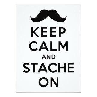 Guarde la calma y Stache encendido Invitación 16,5 X 22,2 Cm