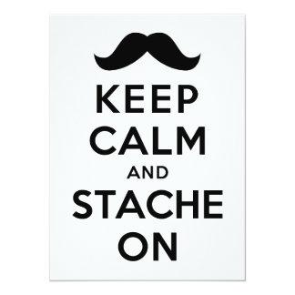 Guarde la calma y Stache encendido Invitación 13,9 X 19,0 Cm