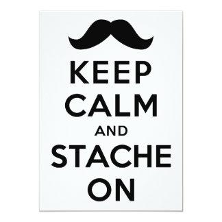 Guarde la calma y Stache encendido Invitación 12,7 X 17,8 Cm