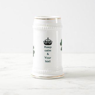 Guarde la calma y su texto jarra de cerveza