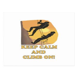 Guarde la calma y suba encendido tarjeta postal