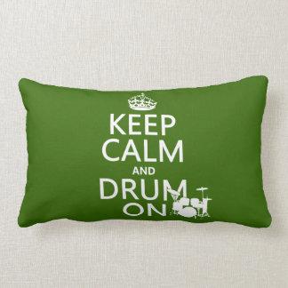 Guarde la calma y teclee en (cualquier color de fo almohadas