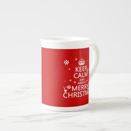 Guarde la calma y tenga Felices Navidad (color del Taza De Porcelana