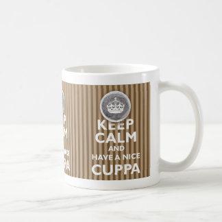 ¡'Guarde la calma y tenga un Cuppa! ' Taza Clásica