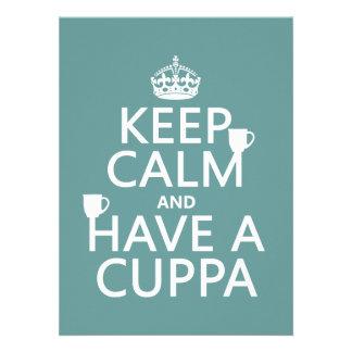 Guarde la calma y tenga un Cuppa - todos los color Comunicado Personal