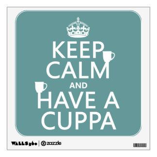 Guarde la calma y tenga un Cuppa - todos los color Vinilo Adhesivo