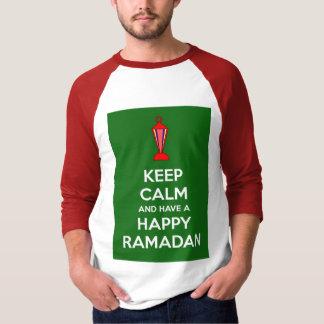 Guarde la calma y tenga un Ramadán Playeras