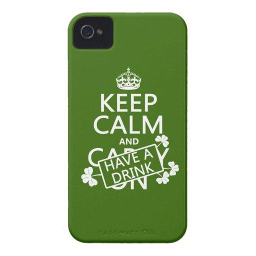 Guarde la calma y tenga una bebida (irlandesa) (cu iPhone 4 coberturas