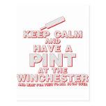 Guarde la calma y tenga una pinta - zombis Winches Tarjeta Postal