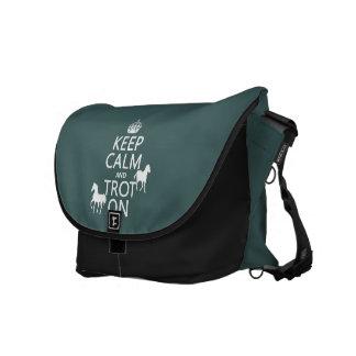 Guarde la calma y trote encendido - los caballos - bolsa de mensajeria