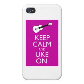Guarde la calma y Uke en (Fuschia) iPhone 4 Protectores