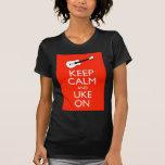 ¡Guarde la calma y Uke encendido! Camisetas