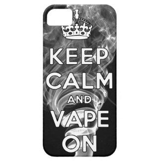 Guarde la calma y Vape encendido iPhone 5 Cárcasa