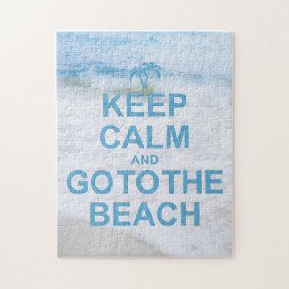 Guarde la calma y vaya a la playa rompecabezas con fotos