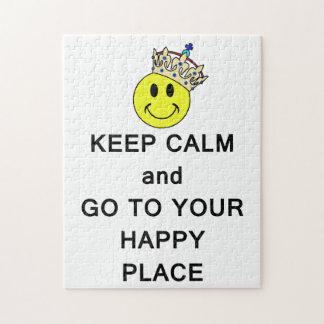 Guarde la calma y vaya a su lugar feliz rompecabeza con fotos