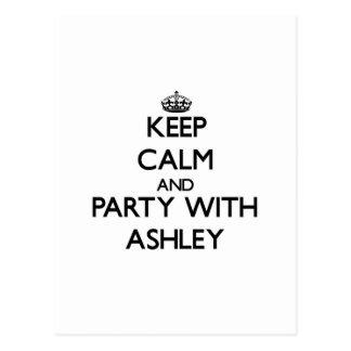 Guarde la calma y vaya de fiesta con Ashley Postales