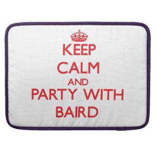 Guarde la calma y vaya de fiesta con Baird Funda Macbook Pro