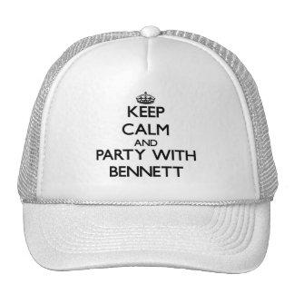 Guarde la calma y vaya de fiesta con Bennett Gorra