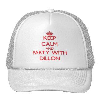 Guarde la calma y vaya de fiesta con Dillon Gorras