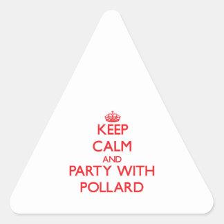 Guarde la calma y vaya de fiesta con el árbol pegatinas triangulo