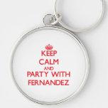 Guarde la calma y vaya de fiesta con Fernández Llaveros Personalizados