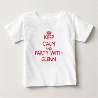 Guarde la calma y vaya de fiesta con Glenn T-shirts