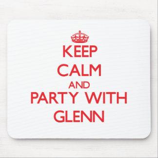 Guarde la calma y vaya de fiesta con Glenn Tapete De Ratón